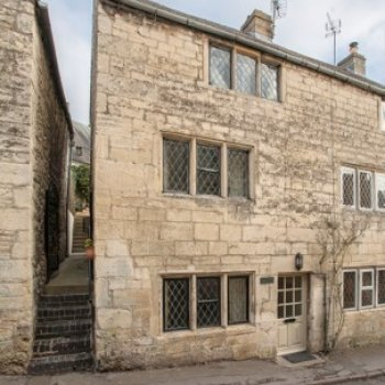 Find self-catering accommodation for Cotswold Stone Cottage In The Heart of Painswick 'Queen of the Cotswolds'