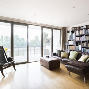Find self-catering accommodation for Beautiful 3 bedroom home in Hammersmith overlooking the Thames