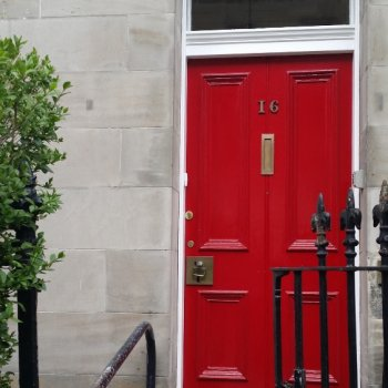 Find self-catering accommodation for Edinburgh City Centre 4 Bed self catering apartment