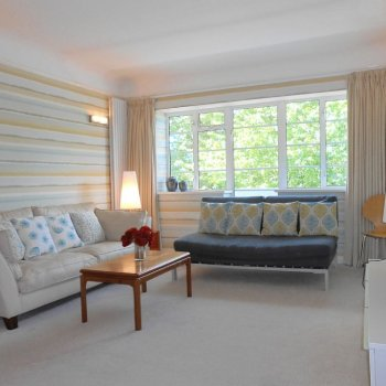 Find self-catering accommodation for Charming 2 bedroom apartment in Surbiton, ideal for short breaks