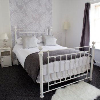 Find self-catering accommodation for Luxury home in the heart of Cardiff city centre near The Millennium stadium