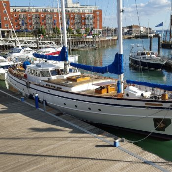 Find self-catering accommodation for Luxury Yacht moored in Gunwharf Quays, available for short breaks