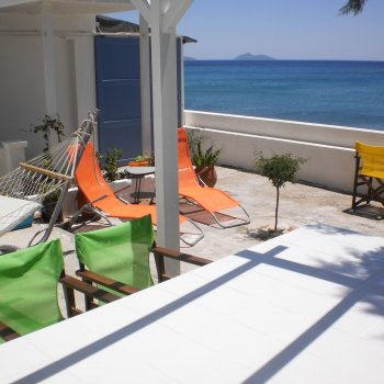 Find self-catering accommodation for Beach house - Living on the sea Samos Island