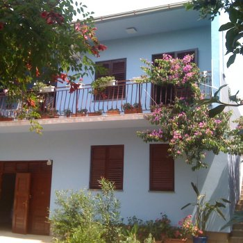 Find self-catering accommodation for Apartment in villa, private pool, big garden, close to sea and town