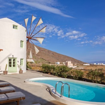 Find self-catering accommodation for Luxurious 2-bedroom windmill villa in Santorini with private pool, jacuzzi and sea view