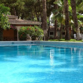 Find self-catering accommodation for El Oasis  -  a welcoming paradise