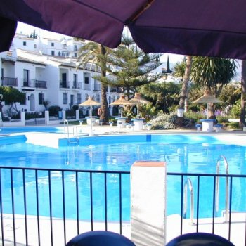 Find self-catering accommodation for Villa Caritas Nerja overlooking the beach