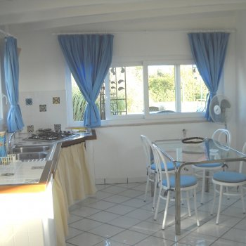Find self-catering accommodation for A beautiful cauntryhouse in San felice Circeo, 700 mt from the beach