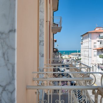 Find self-catering accommodation for Cozy 3 room apartment near the Viareggio beach