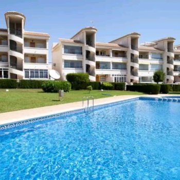 Find self-catering accommodation for Modern flat  swimming pool near sea in Alicante