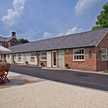 Find self-catering accommodation for Luxury cottages in rural location close to Chester and North Wales.