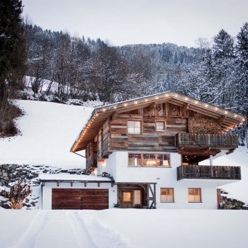 Find self-catering accommodation for Stunning luxury wooden Chalet in the Austrian Alps with sauna, jacuzzi, perfect for winter breaks