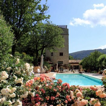Find self-catering accommodation for Stunning 6 bedroom Medieval self catering stone tower in Umbria, Italy with outdoor pool and Gazebo