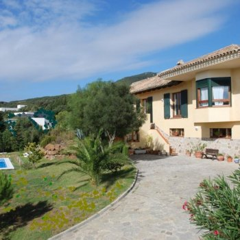 Find self-catering accommodation for 4 Bedroom Holiday Villa, Spain