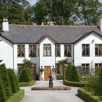 Find self-catering accommodation for Historic 16th Century Luxury Manor House West Wing, ideal for group bookings and family reunions