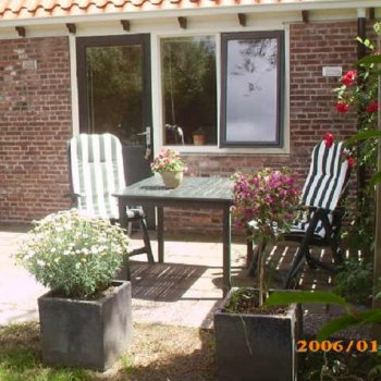 Find self-catering accommodation for 2 person apartment, Taniaburg, Netherlands