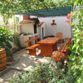 Find self-catering accommodation for Apartment  Bordo near the beach