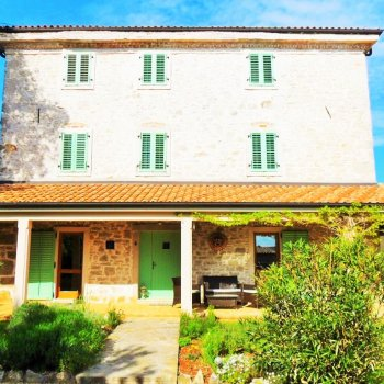 Find self-catering accommodation for Authentic Istrian Stonehouse near Porec with private pool, surrounded by vineyards