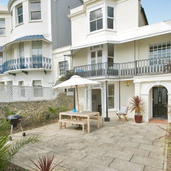 Find self-catering accommodation for Beautiful house with breath taking sea views.