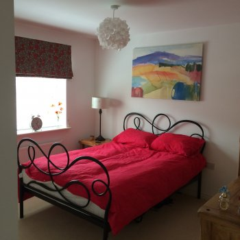 Find self-catering accommodation for 4 double bed detached house only 1 mile from Silverstone park and ride