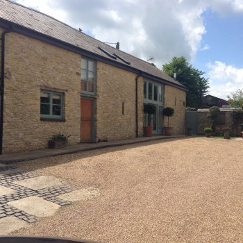 Find self-catering accommodation for Stunning barn conversion within walking distance of great local, the Muddy Duck!