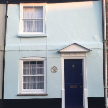 Find self-catering accommodation for Charming 2 bedroom Cottage within Chichester City Walls