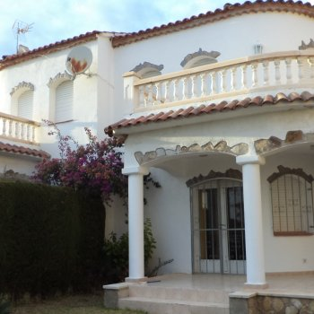 Find self-catering accommodation for Family resort Parc salida del sol