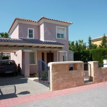 Find self-catering accommodation for Detached villa with private swimming pool near Murcia