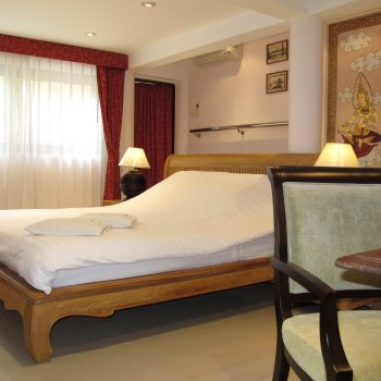 Find self-catering accommodation for Resort The Three Elephants