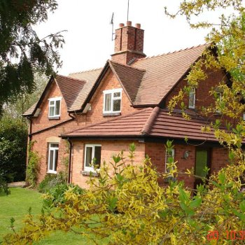 Find self-catering accommodation for Lovely country cottage in the West Midlands and near the Welsh Marches.