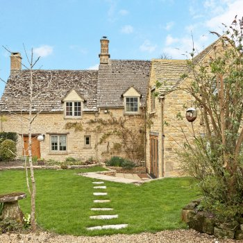 Find self-catering accommodation for Taynton cottage is in the extremely sought after Cotswold Village of Taynton.