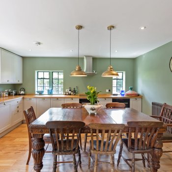 Find self-catering accommodation for Brook Cottage is a beautiful contemporary cottage surrounded by fields in the Cotswolds.