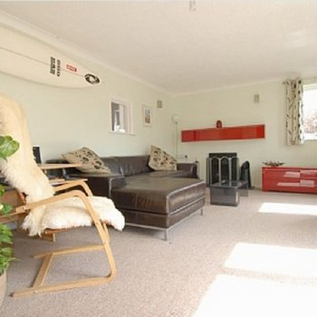 Find self-catering accommodation for Beautifully decorated 3 bedroom house in Cornwall. The perfect beach-side retreat!
