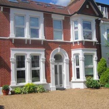 Find self-catering accommodation for Stunning 5 Bedroom holiday rental house in Royal Borough of Greenwich, Sleeps 10.