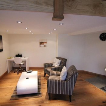 Find self-catering accommodation for Luxury 1 Bedroom Serviced Apartment in Blewbury, Oxfordshire - Ideal Holiday Rental Accommodation.
