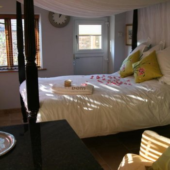 Find self-catering accommodation for Fabulous Studio Apartment in Oxfordshire. Boutique Self-catering Accommodation.