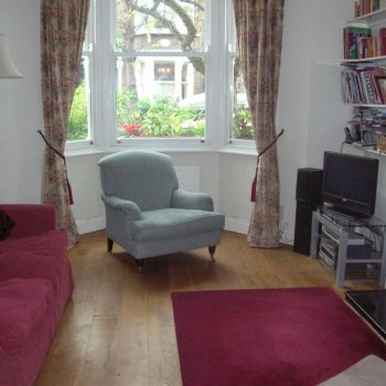 Find self-catering accommodation for Garden Flat in North London with 2 Bedrooms. Ideal for a City Break.
