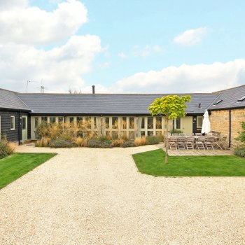 Find self-catering accommodation for Rose Barn is a self catering Barn Conversion in the Cotswolds located between Oxford and Burford.