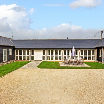 Find self-catering accommodation for Snipe Barn is a stunning barn conversion for large parties and business retreats in the Cotswolds.