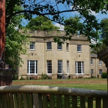 Find self-catering accommodation for Stunning Georgian Country Villa set in Hampshire's Meon Valley, Luxury Self Catering Accommodation.