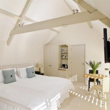 Find self-catering accommodation for Luxury Boutique Bed and Breakfast near Bath, An Ideal Place To Stay For a Weekend Break