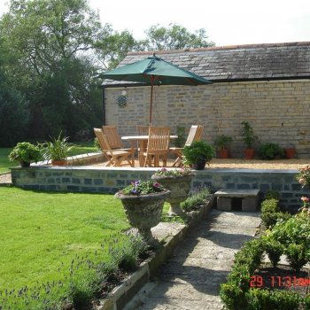 Find self-catering accommodation for Character Bed & Breakfast (bedandfed) in peaceful location Nr Shepton Mallet. Ideal for Glastonbury.