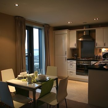 Find self-catering accommodation for Fully serviced holiday rental apartments by the water front in Edinburgh. Ideal accommodation.