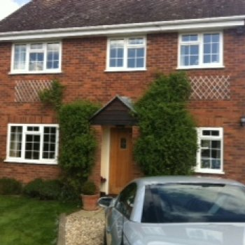 Find self-catering accommodation for Lovely modern detached home offering B&B accommodation in pretty village close to Henley on Thames